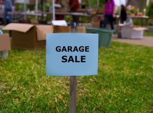 Weekend Garage Sale on the yard.